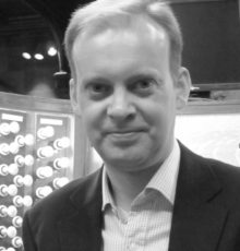 Mr Jeffrey Makinson