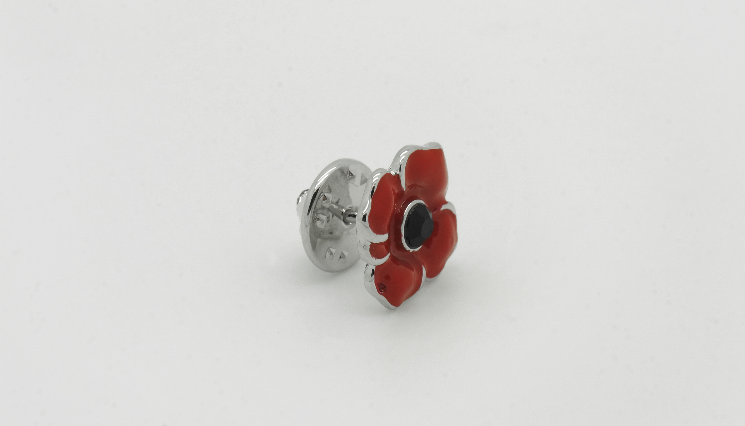 Poppy Lapel Pin 1 - Lincoln Cathedral