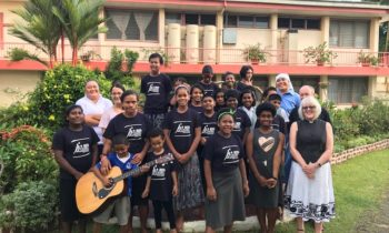 Lincoln Cathedral News - Dean of Lincoln builds diocesan link between Polynesia and Lincoln